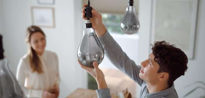 Un toque diferente con las nuevas bombillas LED de filamento gigante de Philips