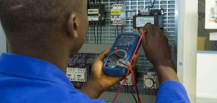 Schneider Electric y los Jesuitas lanzan dos programas de formación en electricidad para personas desfavorecidas en la República Democrática del Congo