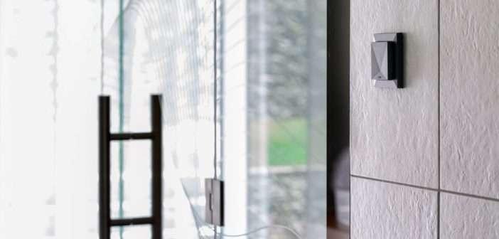 Sensor Confort Tree y Sensor Confort Air de Loxone, miden la temperatura, la humedad y el CO2 de la smart home, controlando así la calefacción, la refrigeración y la ventilación del hogar. Loxone, SmartHome