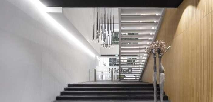 vibia, iluminación, escalera