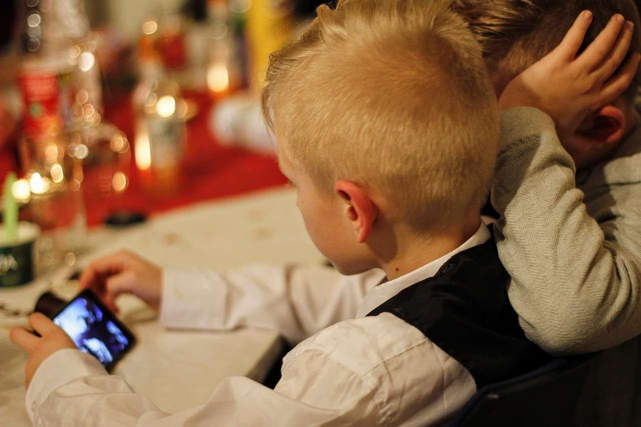 niños, smartphone, tablets